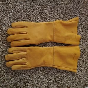 Campbell Pet Co Leather gloves